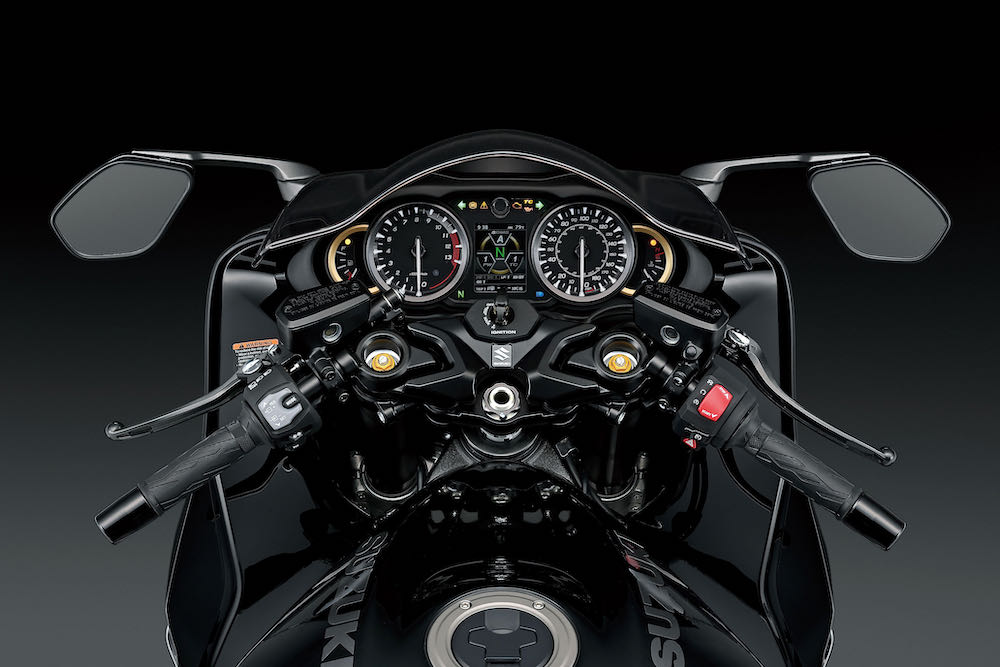 The new cockpit on the 2021 Hayabusa
